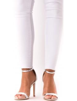 Sandales minimalistes à brides