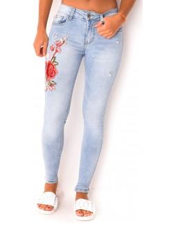 Jeans à broderies et perles