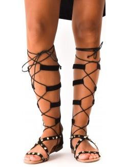 Sandales à clous lacées