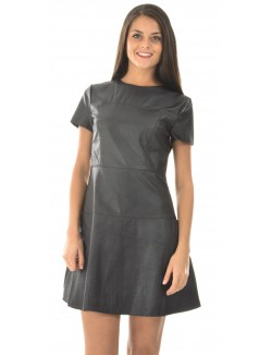Robe patineuse en simili-cuir