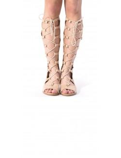 Sandales montantes en suédine lacées et ajourées
