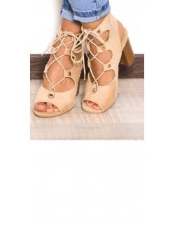 Sandales à talons lacées et ajourées